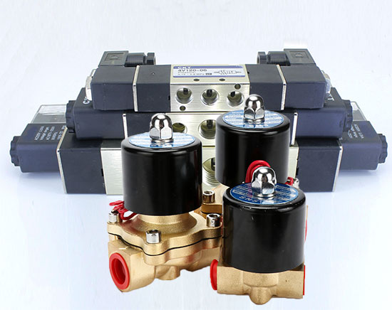 Solenoid valves and pneumatic solenoid valves